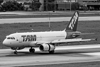 PT-TMC - TAM Airbus A319