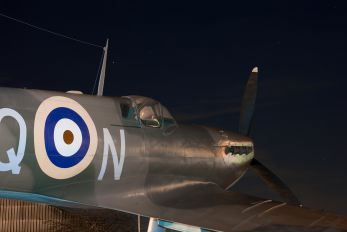 K4859 - Royal Air Force Supermarine Spitfire I (replica)