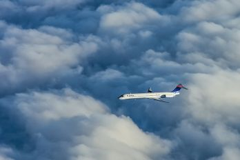 - - Delta Air Lines McDonnell Douglas MD-88