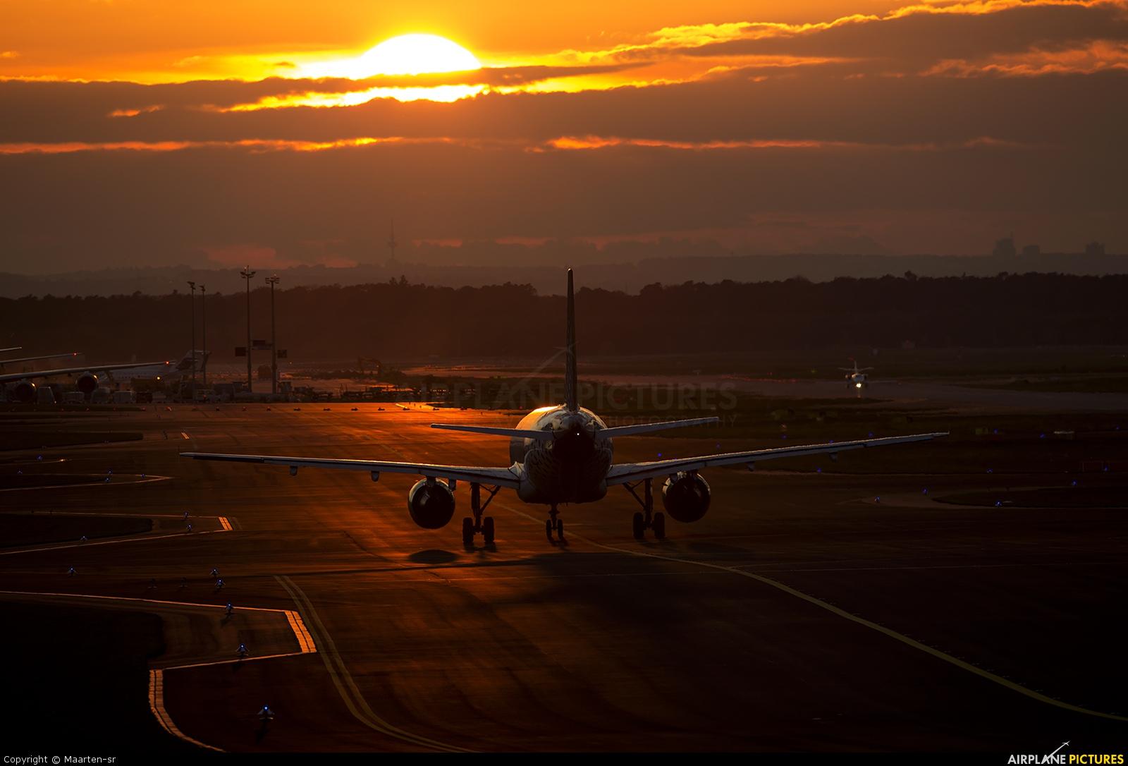 Vueling Airlines - aircraft at Frankfurt