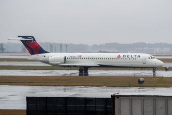 N977AT - Delta Air Lines Boeing 717
