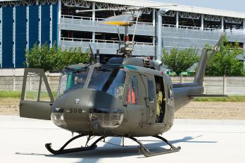 MM80560 - Italy - Army Bell 205A