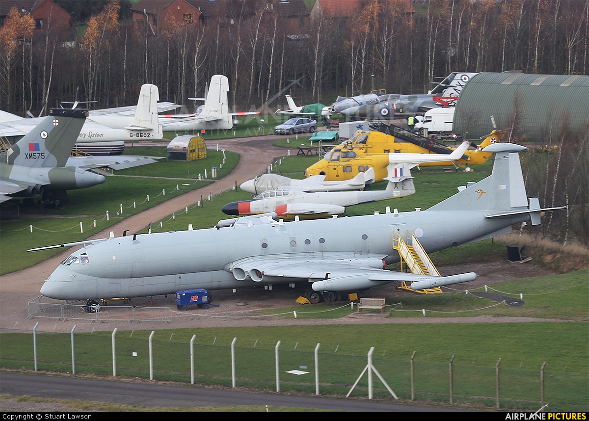 Royal Air Force XW664 aircraft at East Midlands