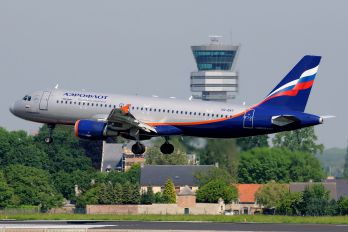 VQ-BAY - Aeroflot Airbus A320