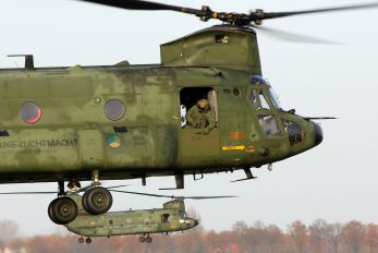 D-101 - Netherlands - Air Force Boeing CH-47D Chinook