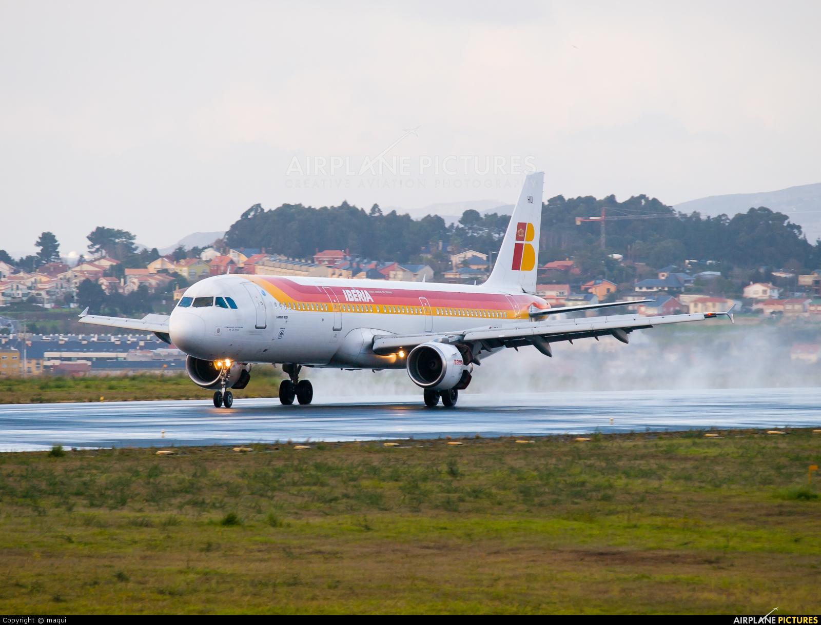 Iberia EC-HUI aircraft at La Coruña