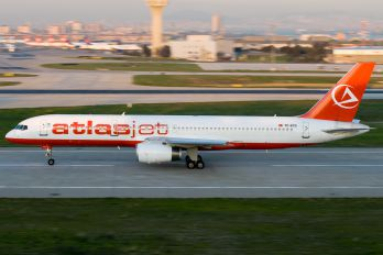 TC-ETG - Atlasjet Boeing 757-200