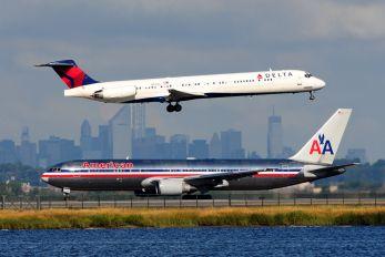 N931DL - Delta Air Lines McDonnell Douglas MD-88