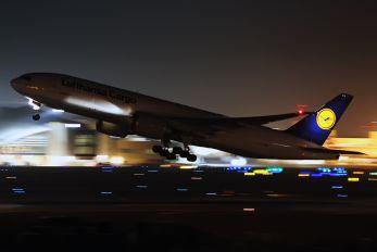 D-ALFA - Lufthansa Cargo Boeing 777-200F