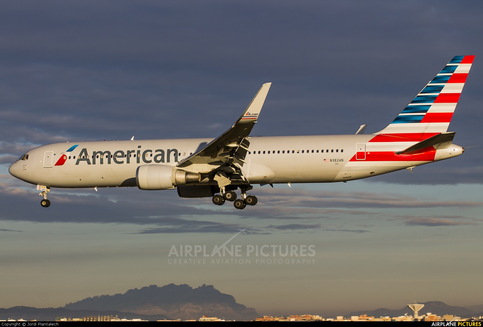 N382AN - American Airlines Boeing 767-300ER at Barcelona ...