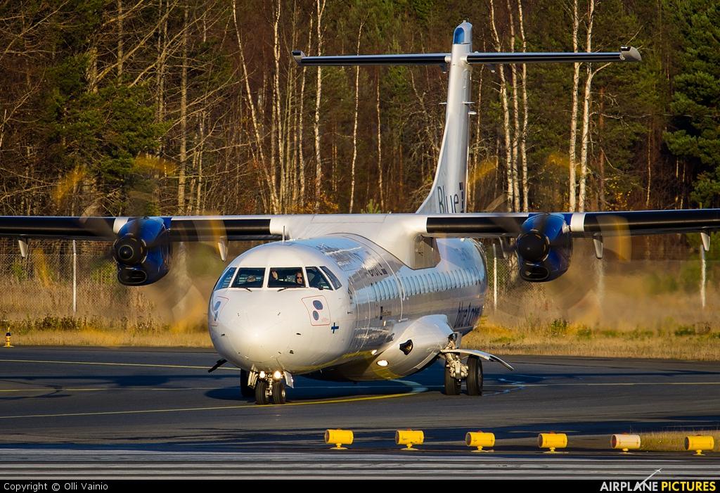 Golden Air SE-MDH aircraft at Oulu
