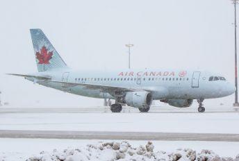 C-GAPY - Air Canada Airbus A319