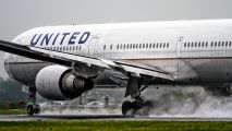 - - United Airlines Boeing 767-400ER aircraft