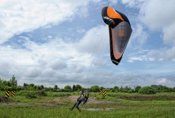 - - Paramotor Team Poland Parachute Para-Sailing