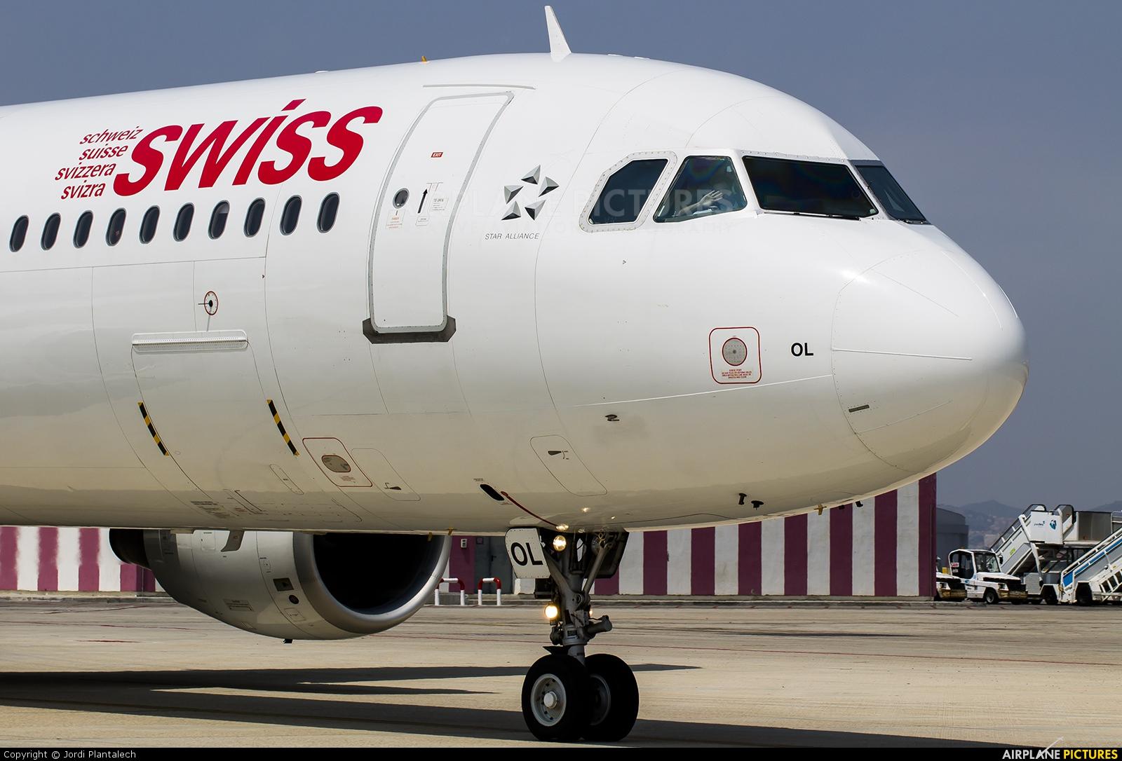 Swiss HB-IOL aircraft at Barcelona - El Prat