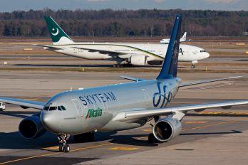 EI-DIR - Alitalia Airbus A330-200