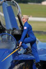 162437 - USA - Navy : Blue Angels McDonnell Douglas F/A-18A Hornet