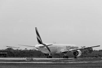 A6-ECN - Emirates Airlines Boeing 777-300ER