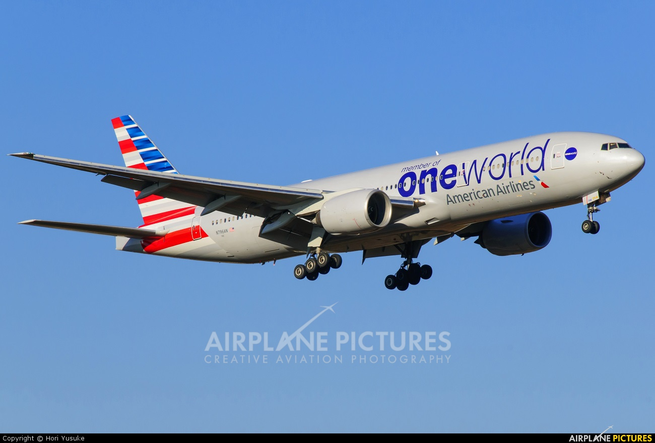 American Airlines Boeing 777-200ER At Tokyo