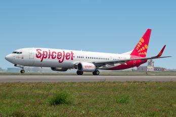 VT-SGB - SpiceJet Boeing 737-800