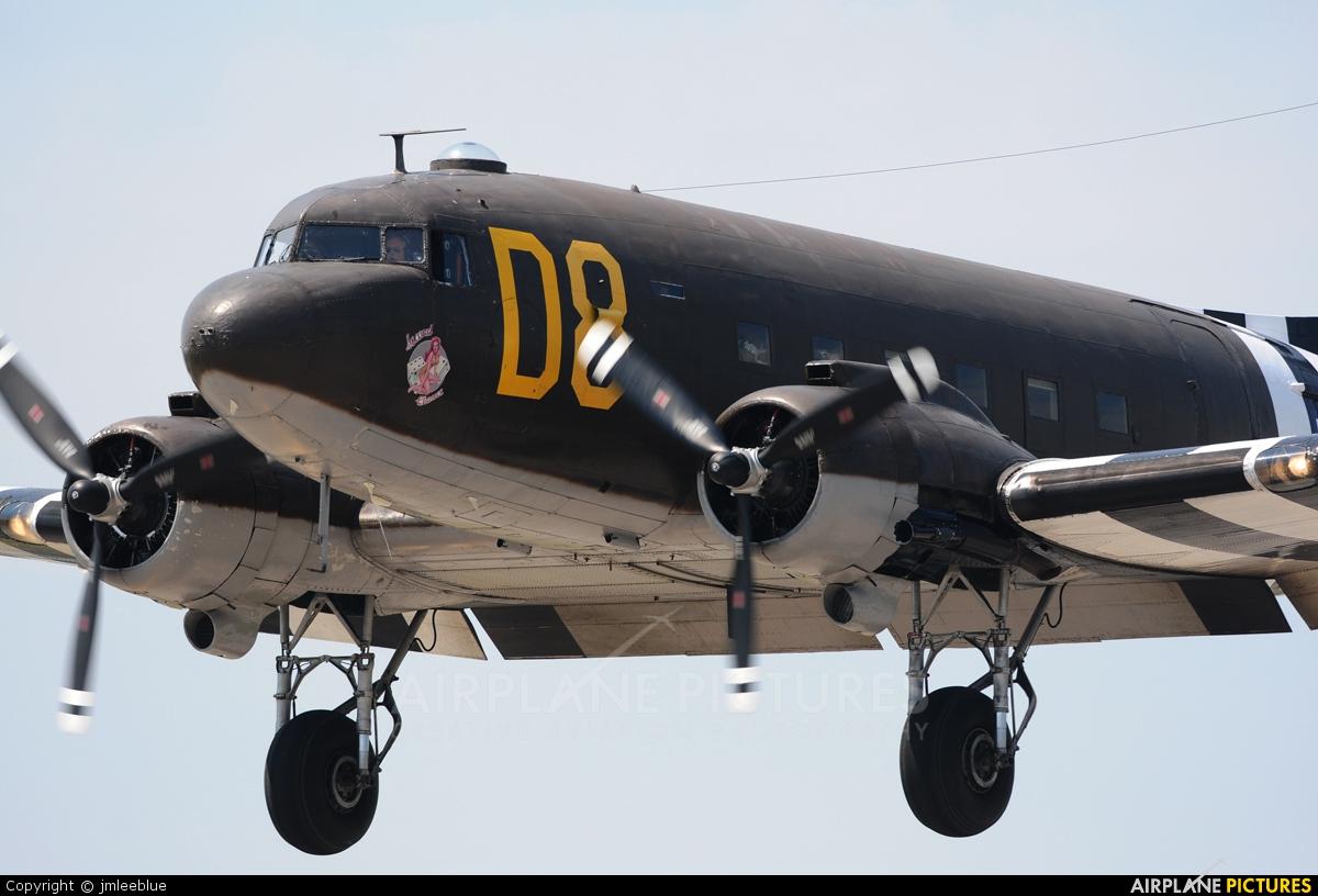 American Airpower Museum N15SJ aircraft at Farmingdale - Republic