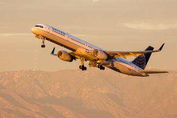 N57868 - United Airlines Boeing 757-300