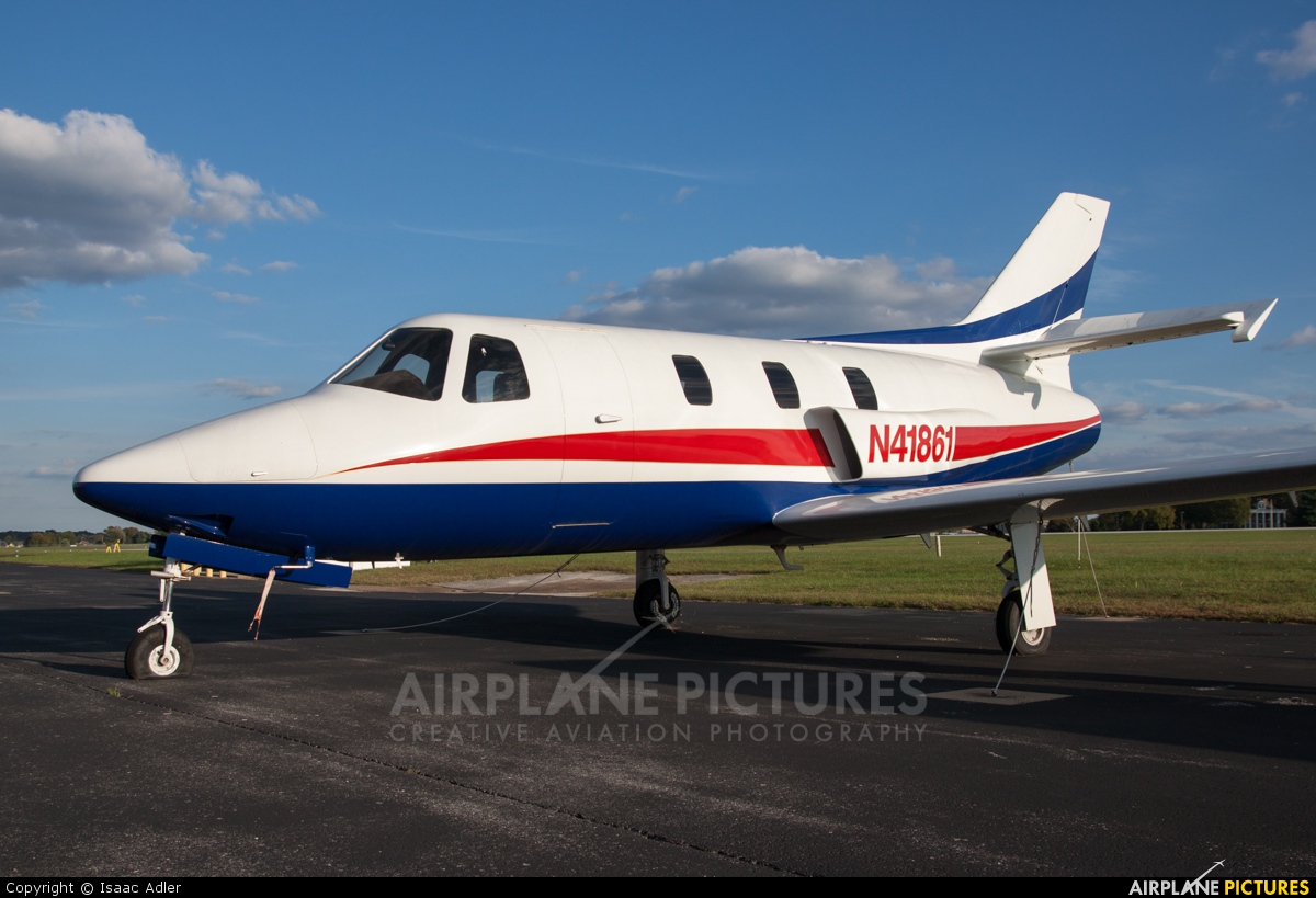 Private N41861 aircraft at Bowling Green-Warren County