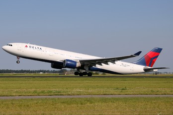 N814NW - Delta Air Lines Airbus A330-300