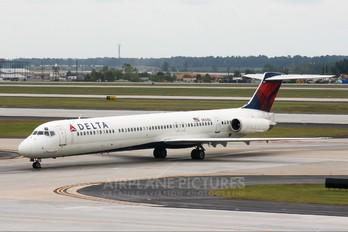 N947DL - Delta Air Lines McDonnell Douglas MD-88