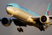 HL7782 - Korean Air Boeing 777-300ER aircraft
