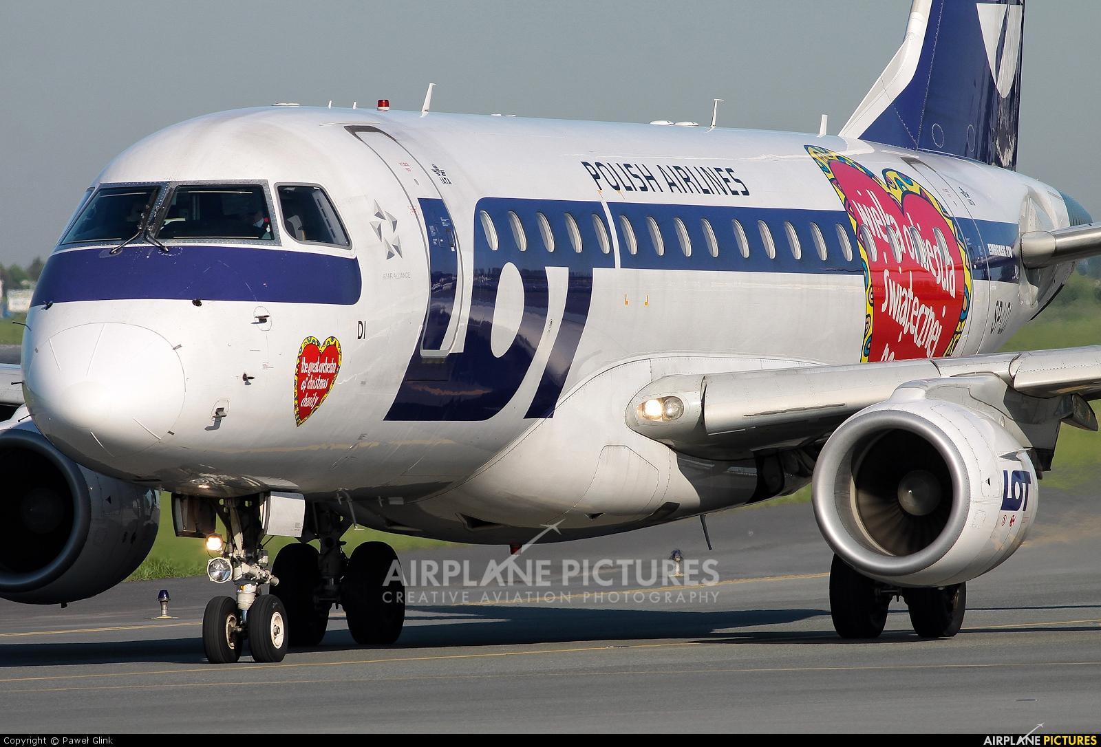 LOT - Polish Airlines SP-LDI aircraft at Warsaw - Frederic Chopin