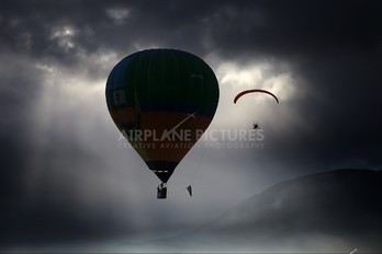 - - Private Hot Air Balloon Unknown type