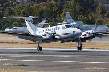 N828AJ - Private Beechcraft 300 King Air