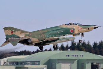 57-6914 - Japan - Air Self Defence Force Mitsubishi RF-4E Kai