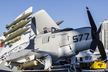 127922 - USA - Navy Douglas AD-4W Skyraider