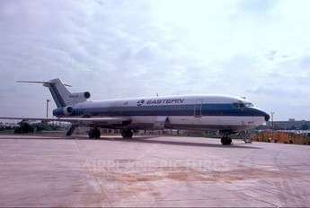 N8831E - Eastern Airlines Boeing 727-200