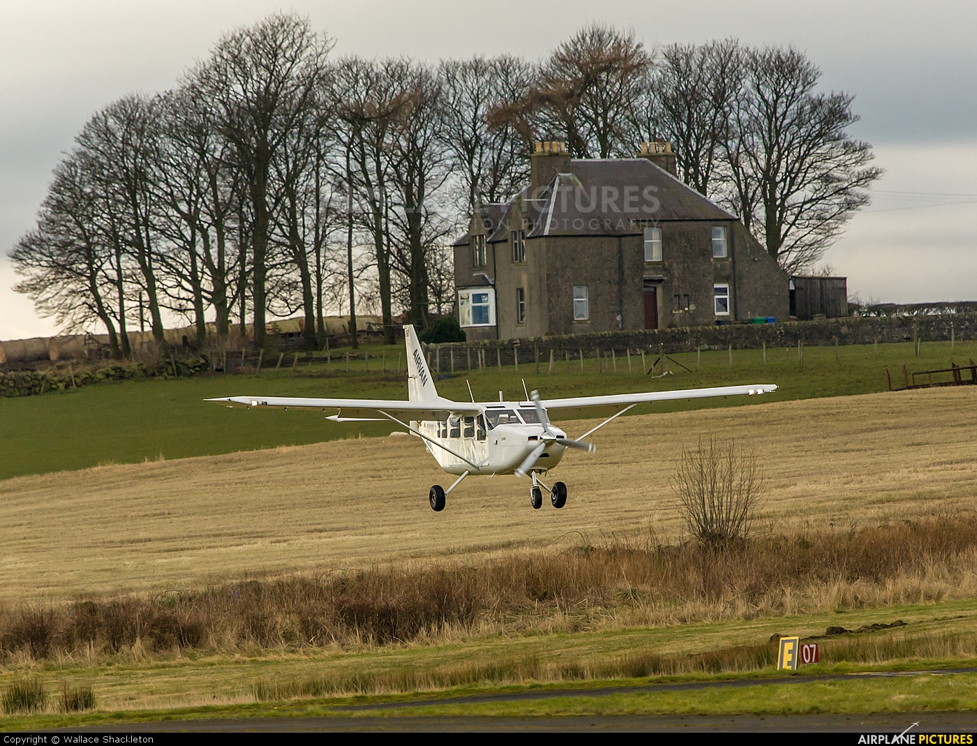 Private G-SCOL aircraft at Fife - Glenrothes