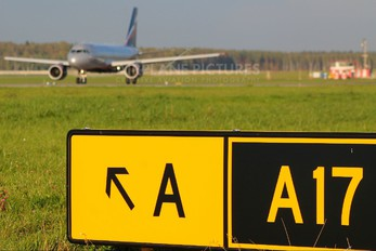 - - Aeroflot - Airport Overview - Runway, Taxiway