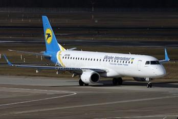 UR-DSB - Ukraine International Airlines Embraer ERJ-190 (190-100)