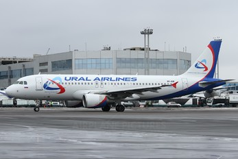 VP-BLE - Ural Airlines Airbus A320