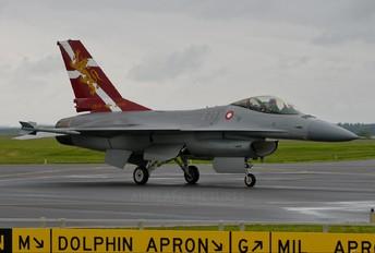 E-194 - Denmark - Air Force General Dynamics F-16A Fighting Falcon