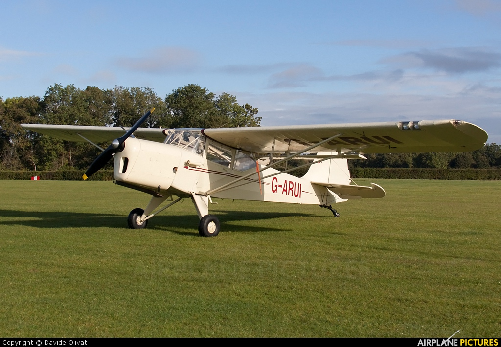 Private G-ARUI aircraft at Old Warden