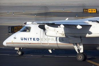 N359PH - United Express (CommutAir) de Havilland Canada DHC-8-200Q Dash 8