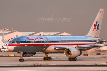 N685AA - American Airlines Boeing 757-200
