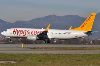 TC-AIP - Pegasus Boeing 737-800