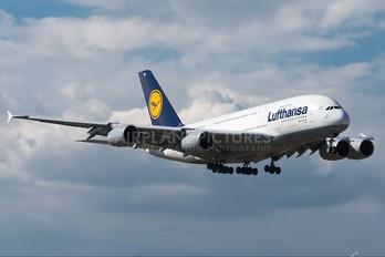D-AIMG - Lufthansa Airbus A380