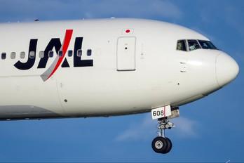 JA608J - JAL - Japan Airlines Boeing 767-300ER