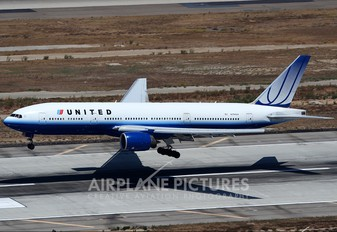 N794UA - United Airlines Boeing 777-200ER