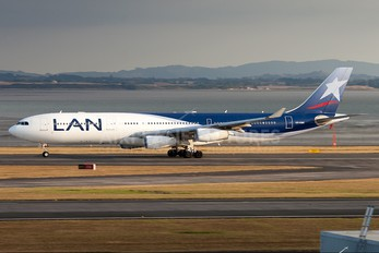 CC-CQC - LAN Airlines Airbus A340-300