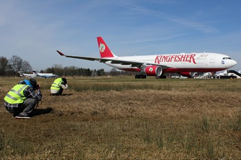 VT-VJP - Kingfisher Airlines Airbus A330-200